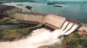 Central hidroeléctrica de Guri, Venezuela.