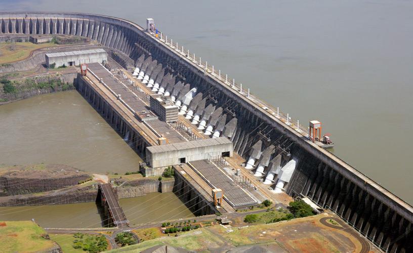 Central hidroeléctrica de Itaipú, frontera entre Brasil y Paraguay