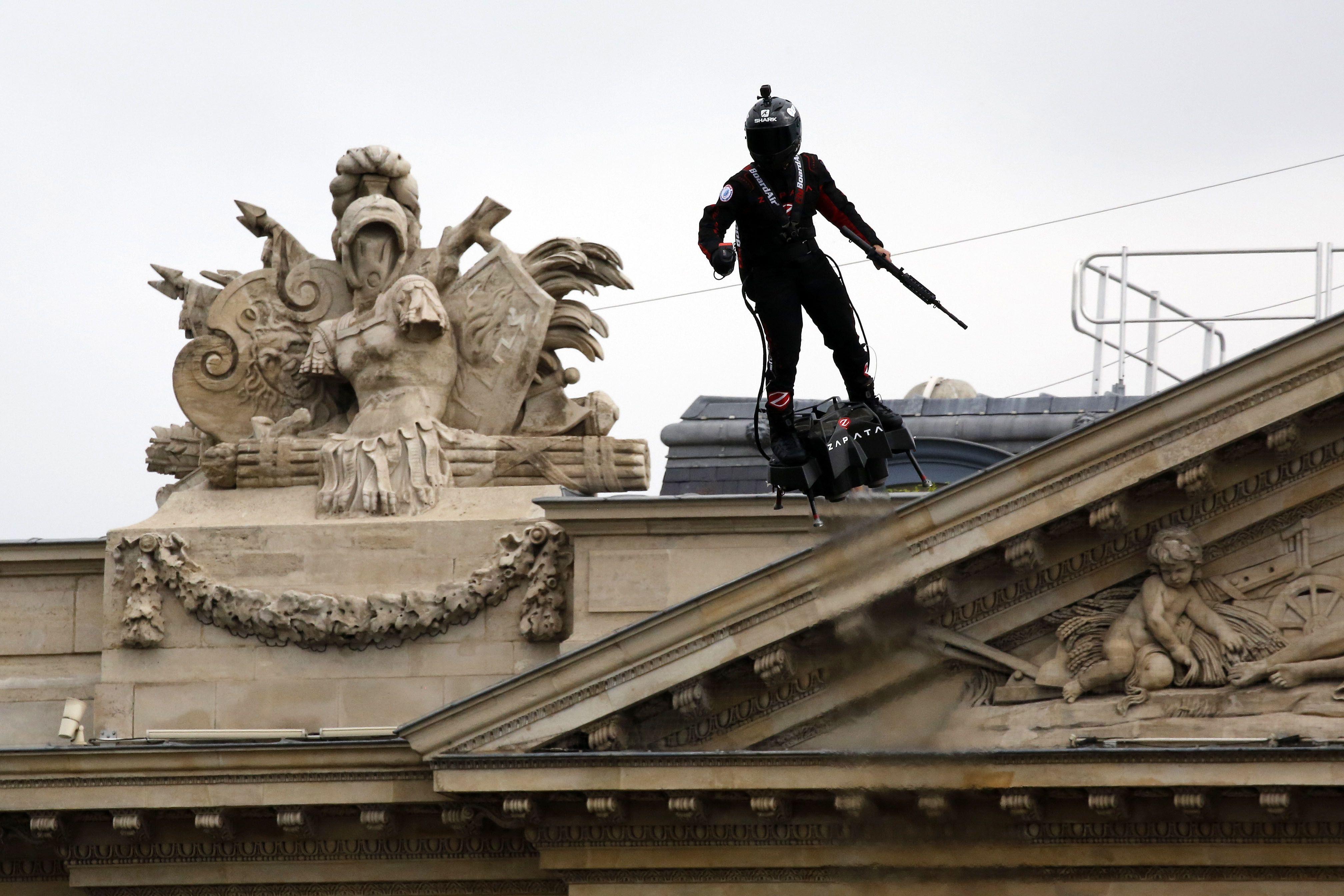 FRANCIA-PARIS-DIA DE LA BASTILLA-DESFILE